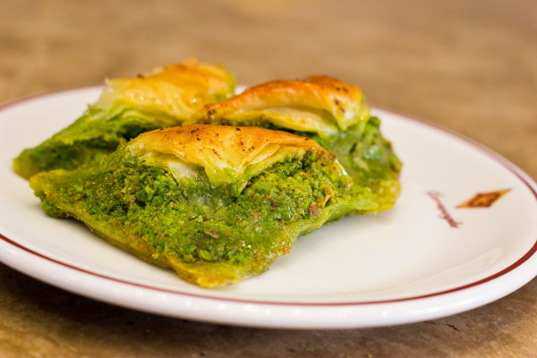 sobiyet-a-softened-with-cream-and-stuffed-with-pistachio